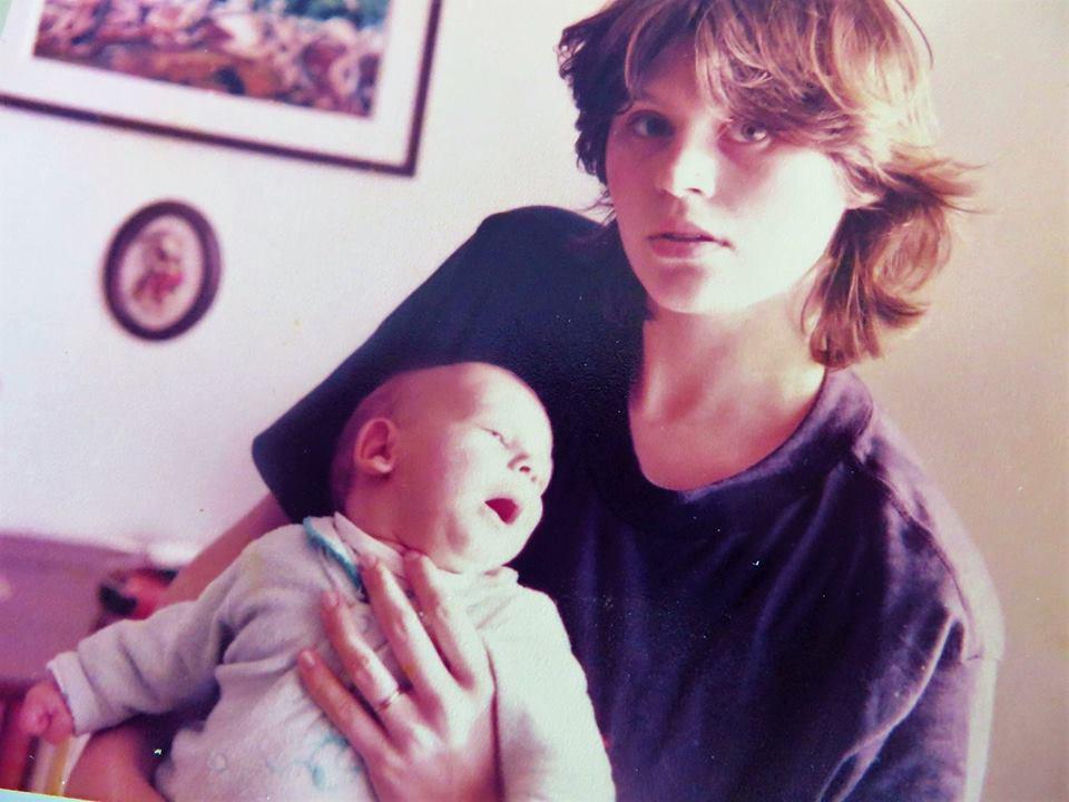 Majčinstvo nekad i sad…