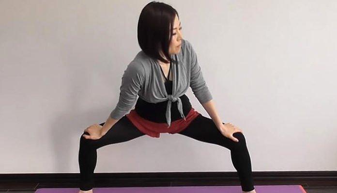"""Japanska """"kraljica"""" mršavljenja: Tamayo vježba istezanja skida masti s trbuha i liječi bol u leđima!"""