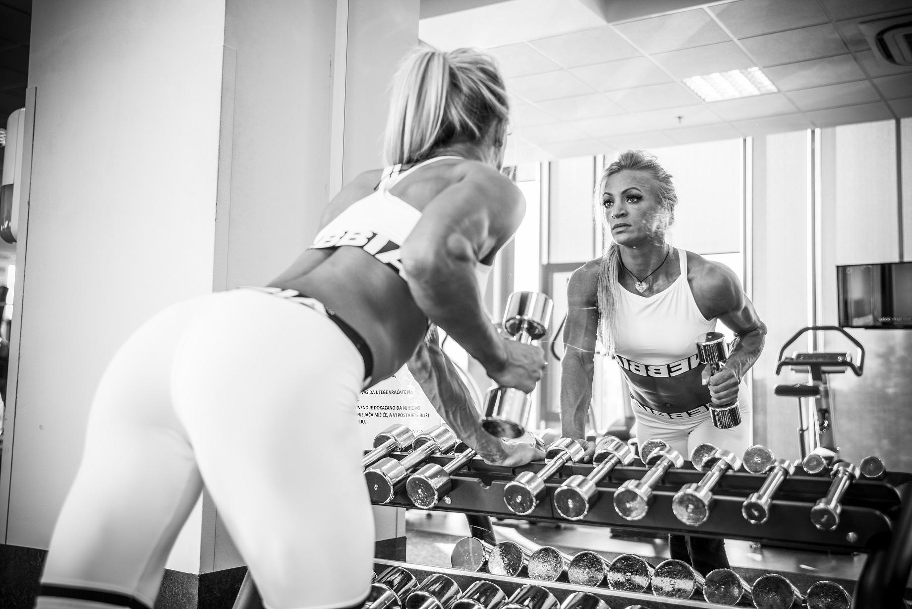 """Doručkuj kao kralj(ica)? iliti Gdje je nestao kraljičn doručak?, Razbila sam 10 fitness mitova!, Tvoja savršena formula za trening""""Ali ja stvarno pazim na prehranu!"""", Prvi korak je najteži"""