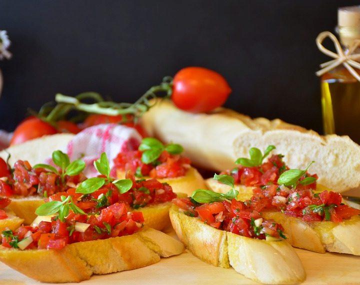 Brzi i zdravi zalogaj: bruschette sa svježim povrćem