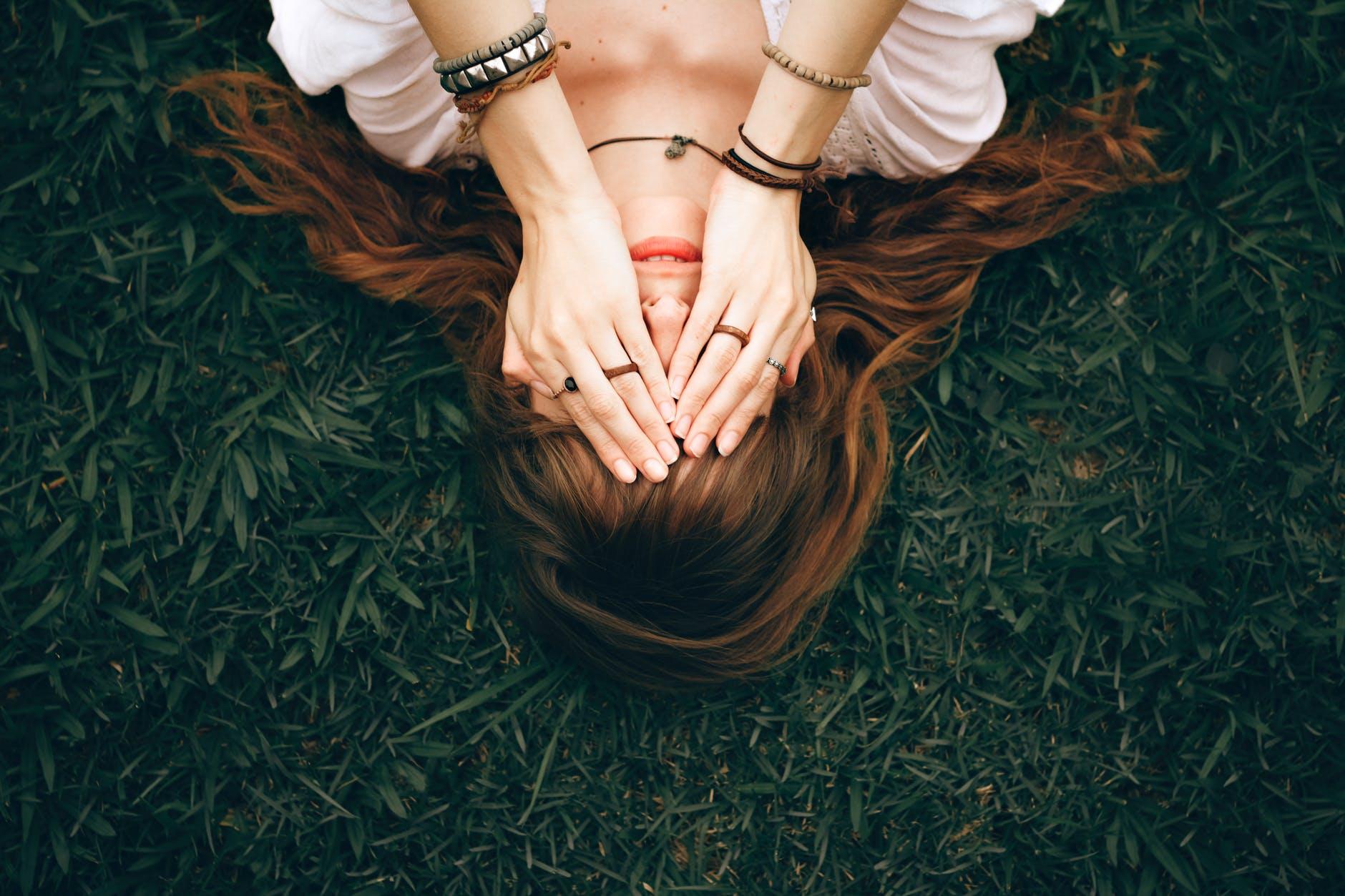 Imaš li vremena biti samo žena? Jesi li naučila ljude oko sebe da si i ti samo ljudsko biće?