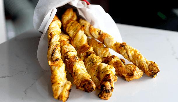 Hit grickalice: Štapići sa sirom i bosiljkom
