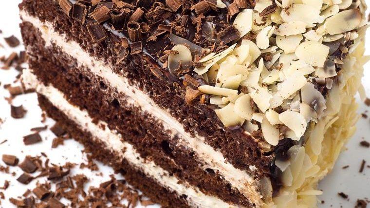 Čokoladna Zoja: Ovo nije torta, ovo je slastičarsko čudo! (RECEPT)