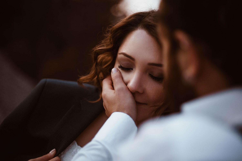 Ponekad samo gledam svoju ženu i u tišini uživam u tom daru sreće koji mi je život pružio