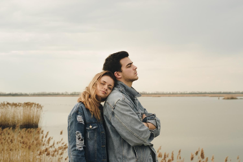 Emocionalno nedostupni muškarci nemaju kapacitete s kojima bi mogli voljeti ženu