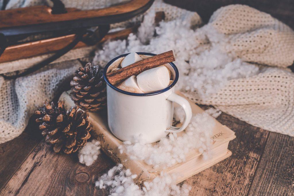 Zdrava vruća čokolada od 4 sastojka – za čarobnu i toplu zimu!