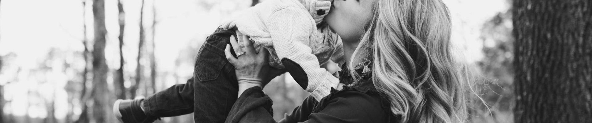 Moj sin je usvojen i da ja sam njegova prava majka