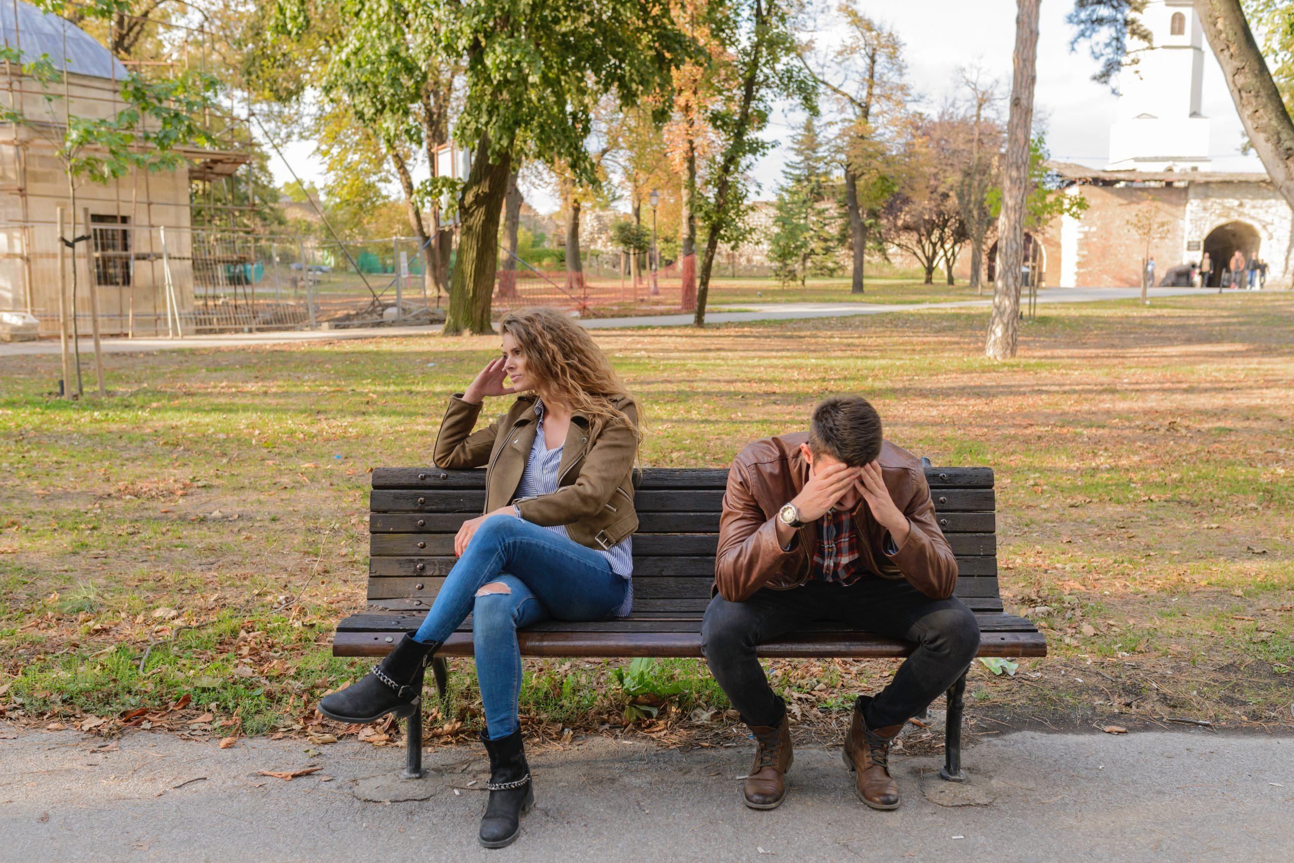 """6 razloga zašto neke žene privlače """"oštećenu"""" vrstu muškarca"""