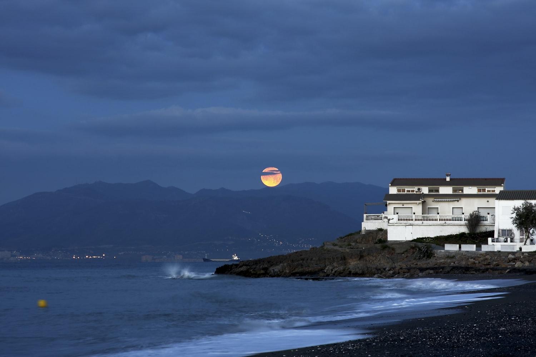 Rijedak fenomen: Listopad donosi 2 puna Mjeseca