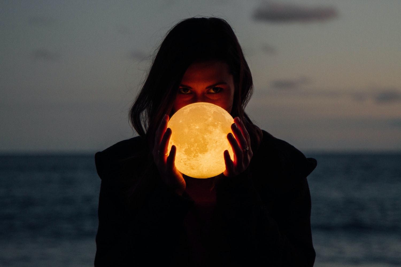 Puni cvjetni Mjesec u Škorpionu 7.5. – Evo kako će utjecati na horoskopske znakove!