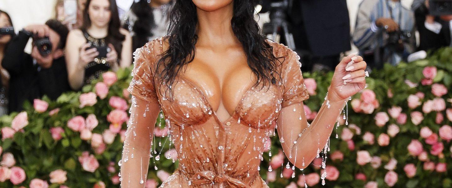 Kim Kardashian ponovno šokira - objavila video s ultra tankim strukom pa zgrozila fanove