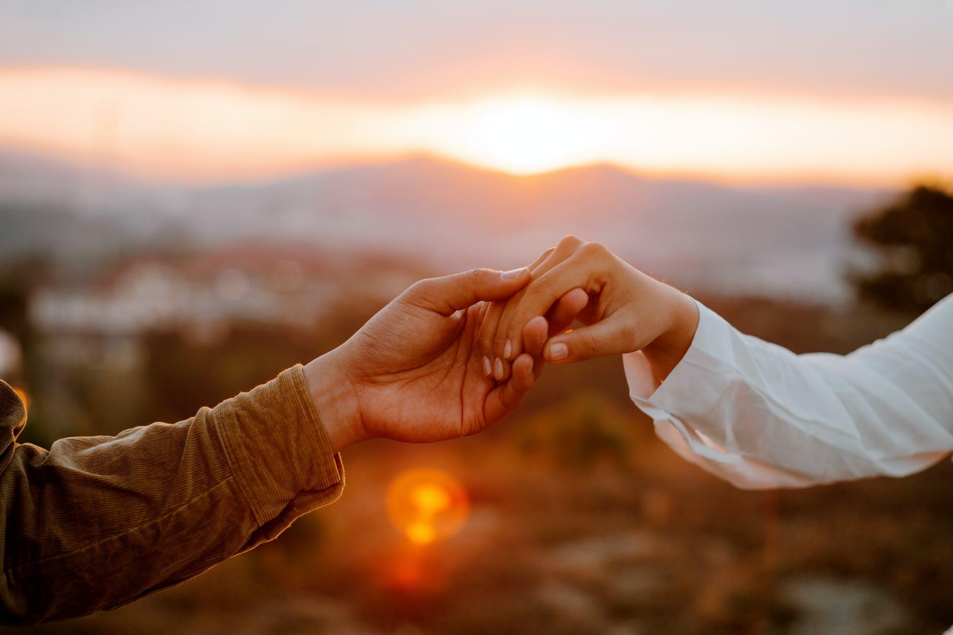 Kako naći pravu osobu i konačno biti u sretnoj vezi? Odgovor je zapravo jednostavan…