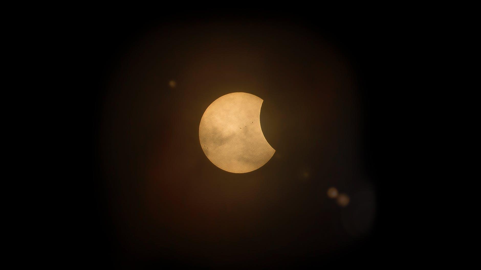 Pomrčina i pun Mjesec u Blizancima 30. studenog – Tajne isplivavaju na površinu!